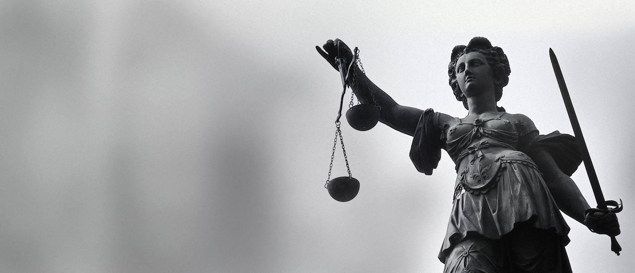 Justiz, Recht und Freiheit. Justitia Anwalt Schoenrock